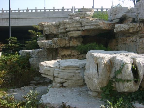 星河湾黄腊石瀑布假山景观-粤山水假山庭院设计曾平图片